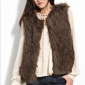 Sanctuary faux brown fur vest: